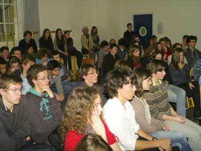 A talk given by Sam at Levoisier high school in Paris (march 2011)